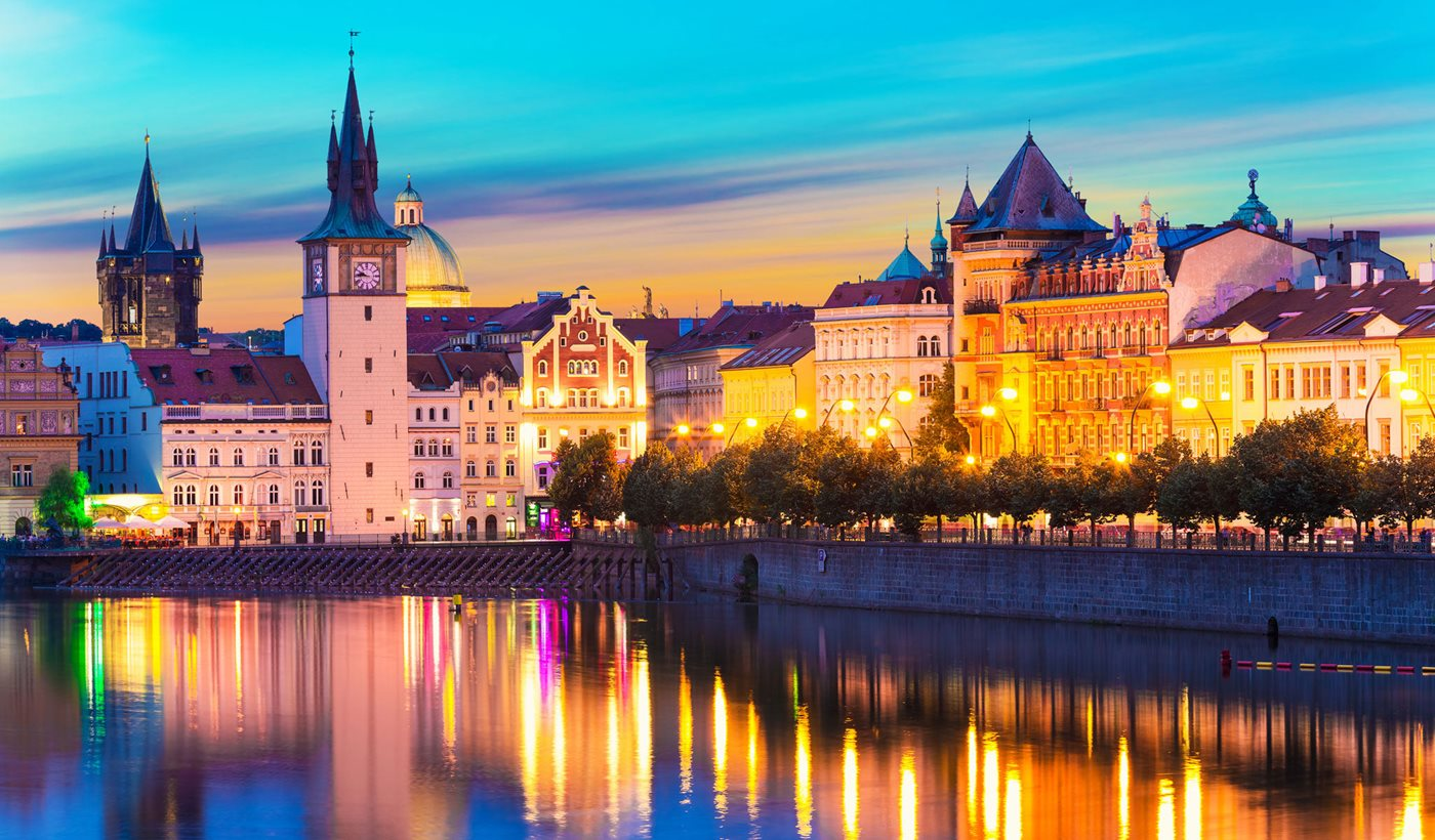 Prague-night-2050x1200_1